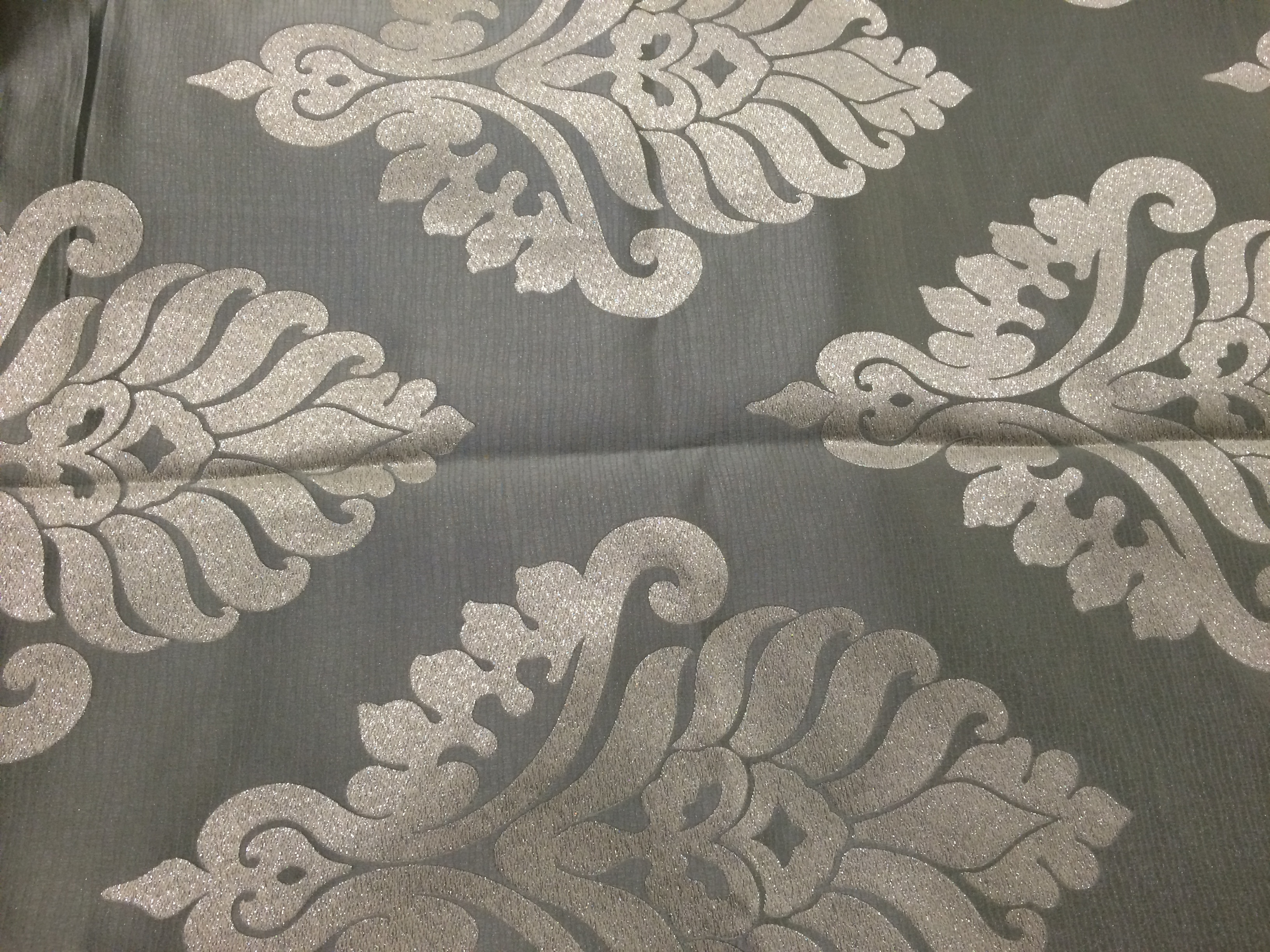 Swirls and leafy coordinate tablecloth2